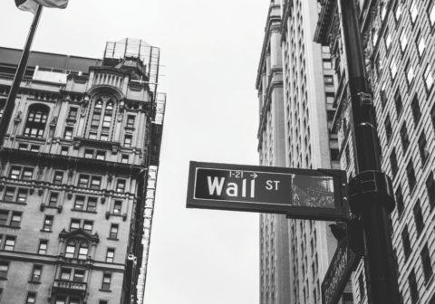 wall street bw 1000x700 480x336 - Finance - Erweiterungen der Account Management Plattform einer Bank